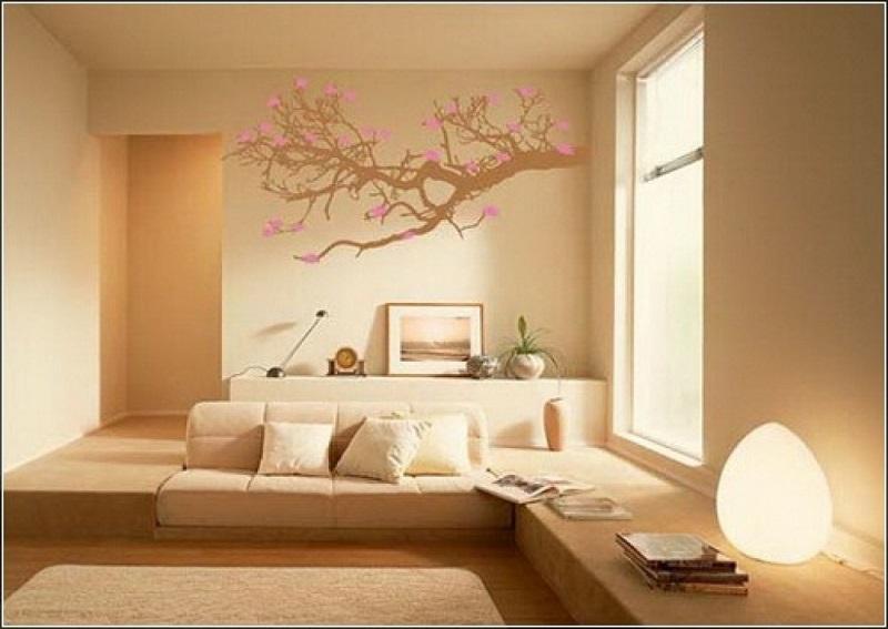 Роспись стены в гостиной