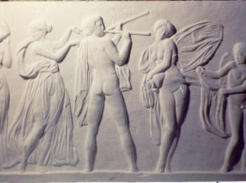 Барельеф в классическом стиле. Декоративный рельеф на стене от мастерской Круг, Киев, Украина