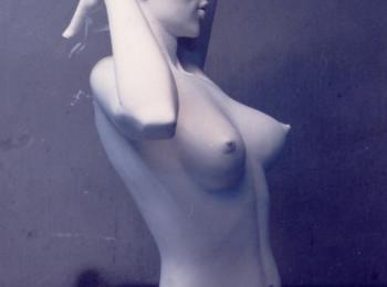 Услуги скульптора, Киев. Интерьерная скульптура: фигура женщины. Творческая мастерская Круг